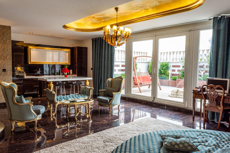 SENATOR-ROOM-TAJMAHAL-HOTEL